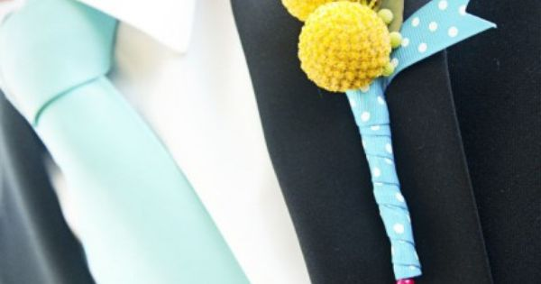 aqua tie, yellow flowers
