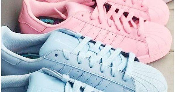 pingl par madison bailey sur shoes pinterest pastel sports et plein air et adidas authentiques