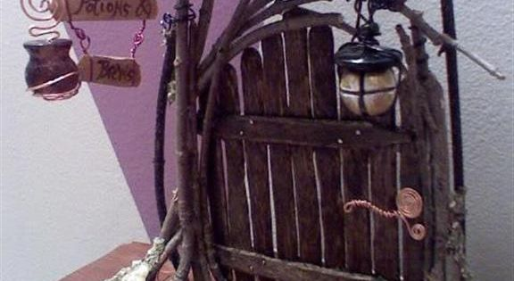 How to make fairy garden doors with popsicle sticks