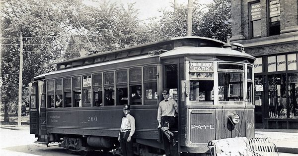 Des Moines Streetcar Highland Park Iowa Pinterest Parks And Highlands