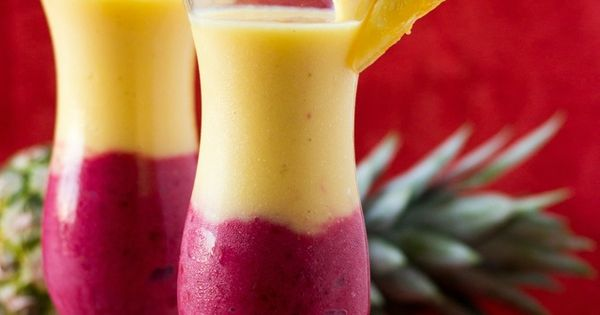 4-Ingredient Creamy Pineapple Berry Smoothie Recipe ~ It is filling and packed