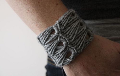 Crochet fans will love this collection of awesome crochet bracelet tutorials broomstick