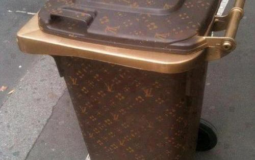 Absolutely hilarious diy louis vuitton wheelie bin trash for Louis vuitton bin bags