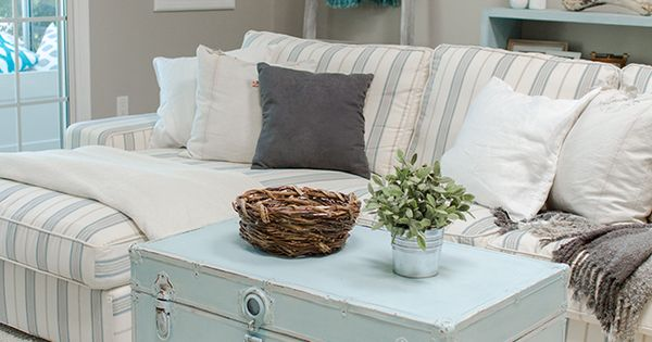 I don't like the colors but LOVE the trunk coffee table... Especially