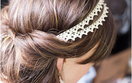 Cute DIY headband and hair style tutorial. Pretty for wedding hair