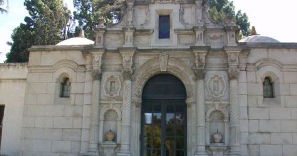Whittier Heights Mausoleum Est 1917 Rose Hills Memorial Park Whittier Calif To Pay My Respects To Thuy Tran Whittier California Rose Hill Memorial Park