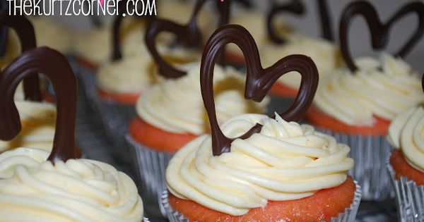 The Kurtz Corner: Strawberry Moscato Cupcakes
