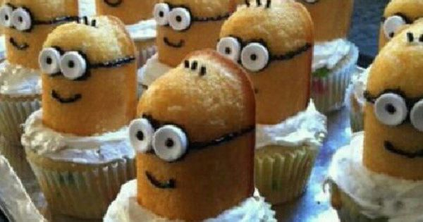 Despicable Me Minions... Twinkies cupcakes. Oh my!