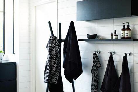 Black n White - storage, tiles, hooks & coat hangers, don't like