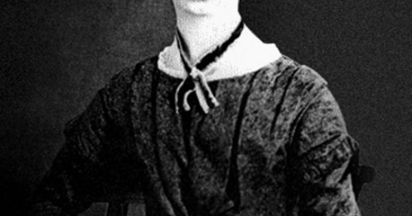 """emily dickinson and her poetic style """"the collected poems of emily dickinson  it is here in this collection that we witness her poetic depth and range of style the myth that surrounds dickinson ."""
