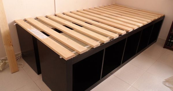 This is an awesome bed frame idea. BRILLIANT! especially if you need