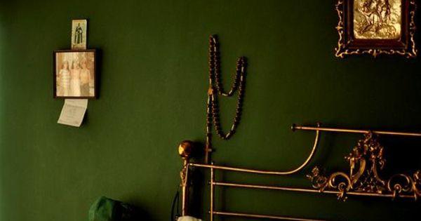 wandfarbe in gr n farbideen wandgestaltung dunkel wandgestaltung pinterest wandgestaltung. Black Bedroom Furniture Sets. Home Design Ideas