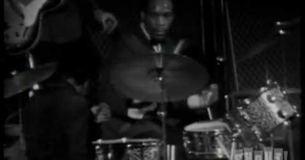 Clyde Stubblefield James Brown Gives His Drummer The Spotlight