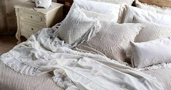 testiera letto con pallet arredo shabby chic con bancali arredamento casa fai da te  Dream ...
