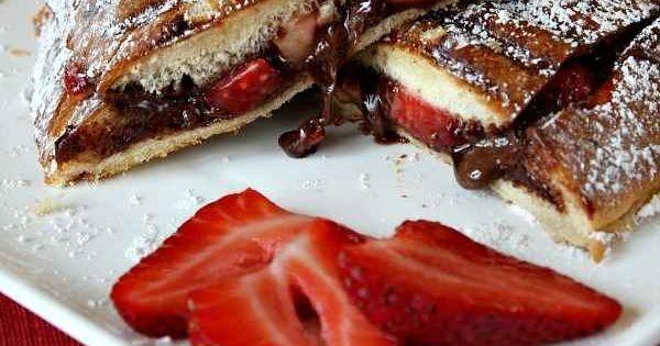 Strawberry nutella panini - om nom nom
