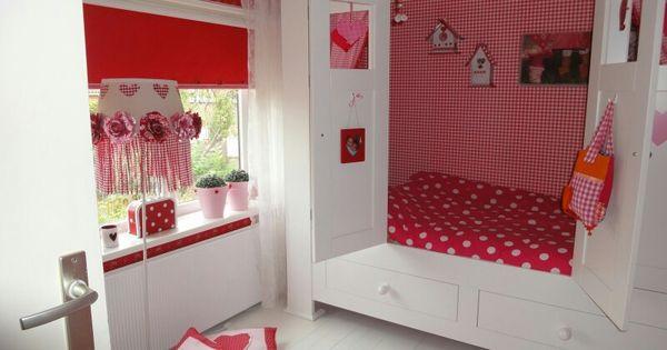 Rode meiden slaapkamer met wit en roze inspirerende idee n wonen pinterest for Deco voor slaapkamer meiden