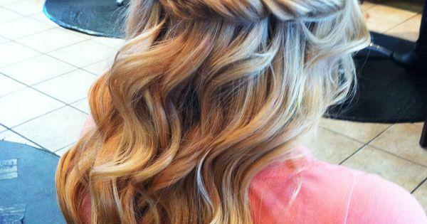 Pretty twist and curls, wedding hair idea? @Brittney Anderson Anderson Anderson Marie