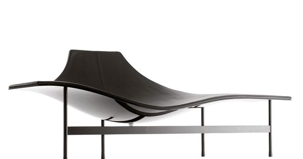 Posturing chaise longue offers a handful of postural for Chaise longue classic design italia