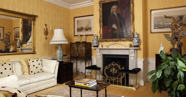 Traditional Lounge Interior By George Bond Design