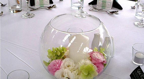 Small floral centerpiece ideas round glass wedding