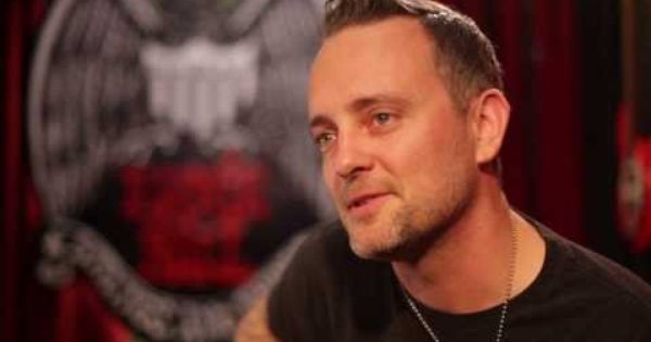 Watch Dave Hause Tells His Guitar Stories In Ernie Ball S Set Me Up Sessions Punk Bands Dave Ball