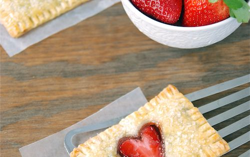 Strawberry Nutella Poptarts @The Novice Chef Blog {Jessica} These Strawberry Nutella Poptarts