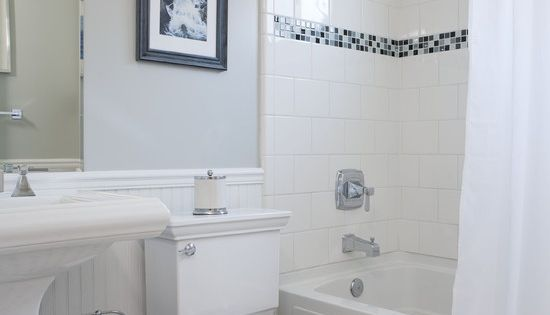Small bathrooms bathroom remodeling ideas for small bath design - Tile Accents Bathroom Small Traditional Cape Cod Style