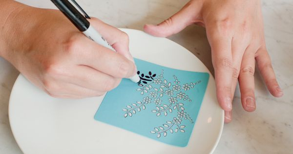 DIY Sharpie Dinnerware | Great gift idea!