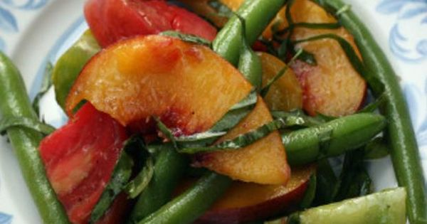 Peach and Heirloom Tomato Salad | Healthy Lunches & Dinners ...