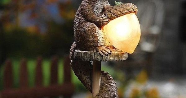Squirrel Wildlife Outdoor Garden Solar Acorn Statue