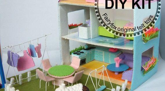 Diy felt dollhouse and furnitures kit packagekt14t15 by for Muebles de carton pdf