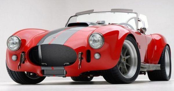 Classic Design Red Car Wallpaper