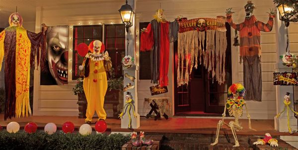 Halloween Scary Clowns Props 2020 20 Cool And Scary Clown Halloween Decorations in 2020 | Halloween