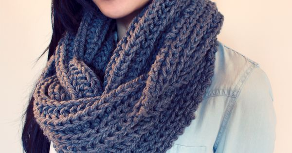 Cowl Knitting Pattern For Beginners : Free easy beginner knitting pattern for a chunky knit grey