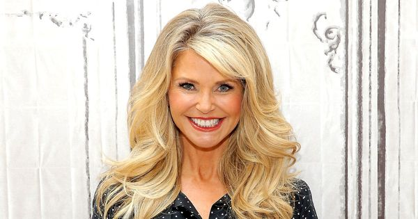 5 Hairbrushes Defying The Undone Hair Trend: Follow These 5 Age-Defying Secrets From Christie Brinkley