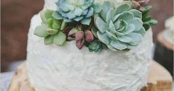 Ray Hunter Florist has been creating beautiful wedding flowers and bouquets for