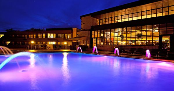 Weekend getaways from chicago quick trips lake geneva for Resort and spa near chicago