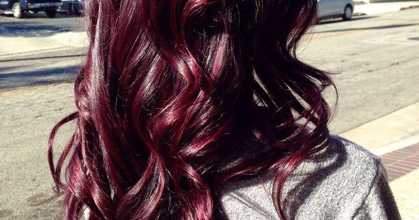 Image via We Heart It https://weheartit.com/entry/156738183 curlyhair redhair burgundyhair darkauburn