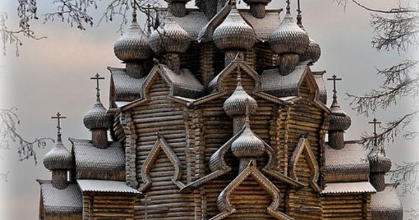 Old wooden church in Sudal, Russia Absolutely amazing architecture!!