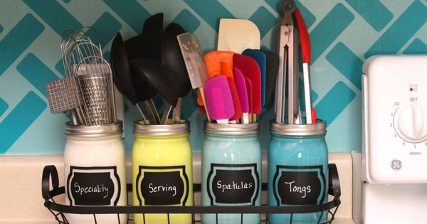 Decrease Drawer Clutter with Painted Utensil Jars Declutter your apartment with this