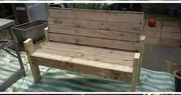 Diy pallet wood bench tutorial 100 reclaimed pallets for Banquette palette exterieure