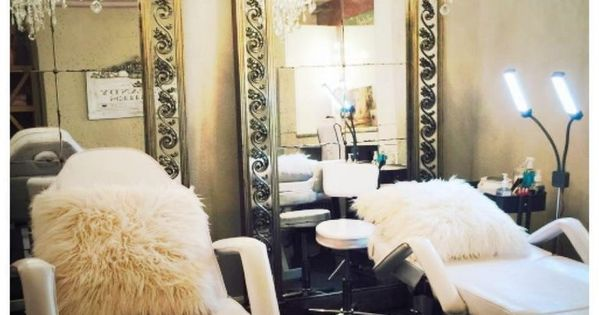 How Are You This Time We Want To Give A New Inspiration About Lash Studio Decor Maybe It S Not New Beca Salon Suites Decor Studio Decor Salon Interior Design