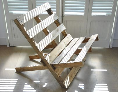 Rauwe stoel van pallets eyespired diy tuin pinterest houten pallets planken en paars - Smeedijzeren stoel en houten ...