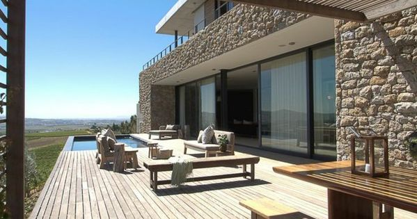 terrasse dekorieren mit uberdachung luxuswohnungen pinterest terrasse dekorieren. Black Bedroom Furniture Sets. Home Design Ideas