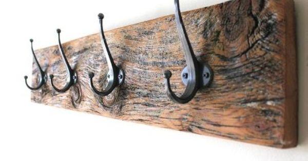 Perchero de pared con forma de grifo metal dise/ño vintage Tubayia