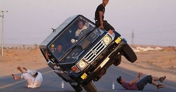 10 Hilarious Stunt Fails Stupid Guys Funny Pictures Stunts