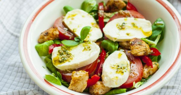 chicken and mozzarella salad. | f o o d | Pinterest | Mozzarella ...