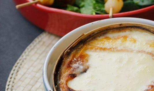 Brochettes de rattes morteau et oignons mont d 39 or au - Cuisiner saucisse de morteau ...
