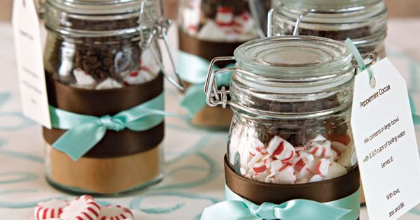 DIY hot chocolate gift in a jar