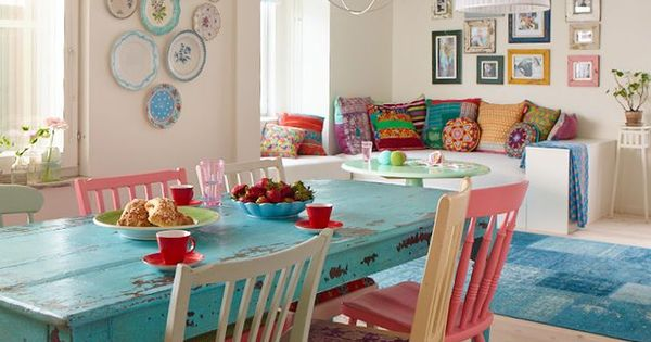 love the bright color this table brings in. No need to be